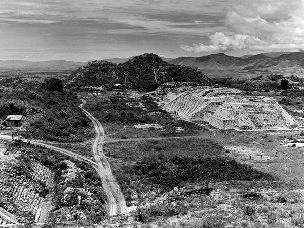 ruins-monte-alban-oaxaca-mexico_58511_600x450